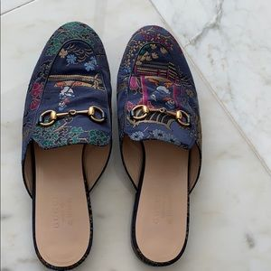 Authentic Gucci slippers size 39